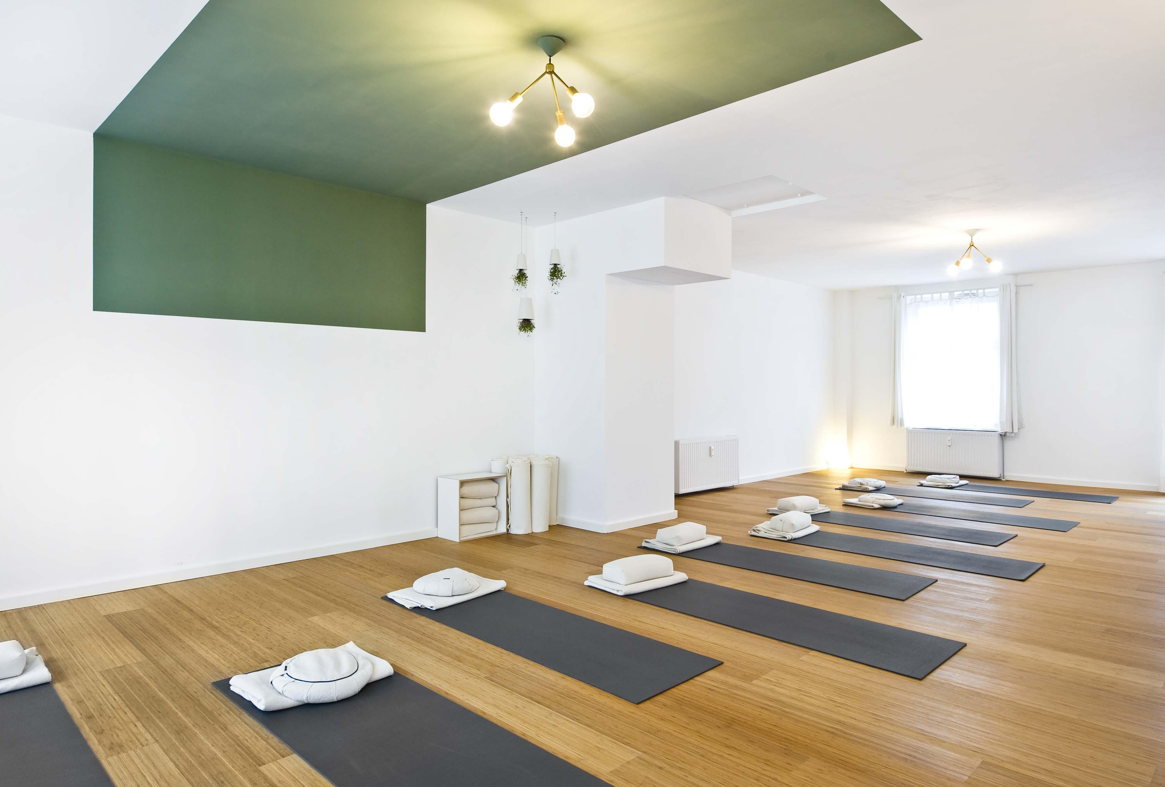 Körperklang großer Yogaraum